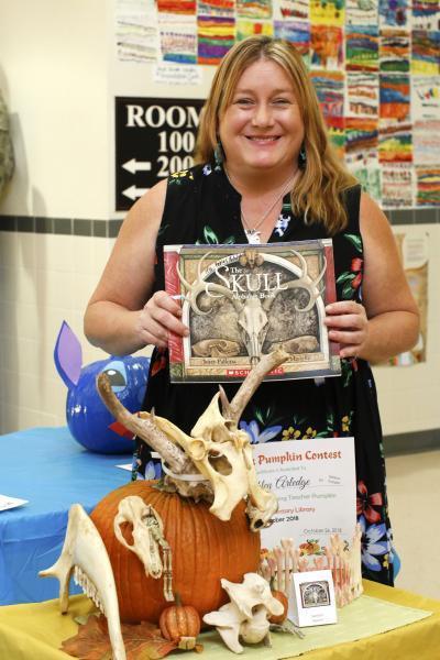 Students At Travis Turn Pumpkins Into Characters From Storybooks
